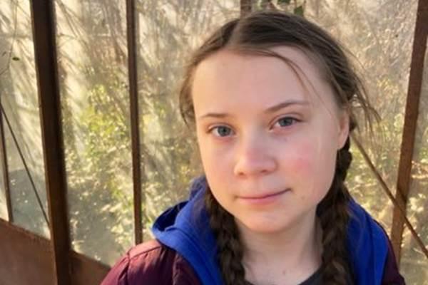 Greta Thunberg : Dikritik kakek terkaya di Prancis - Twitter