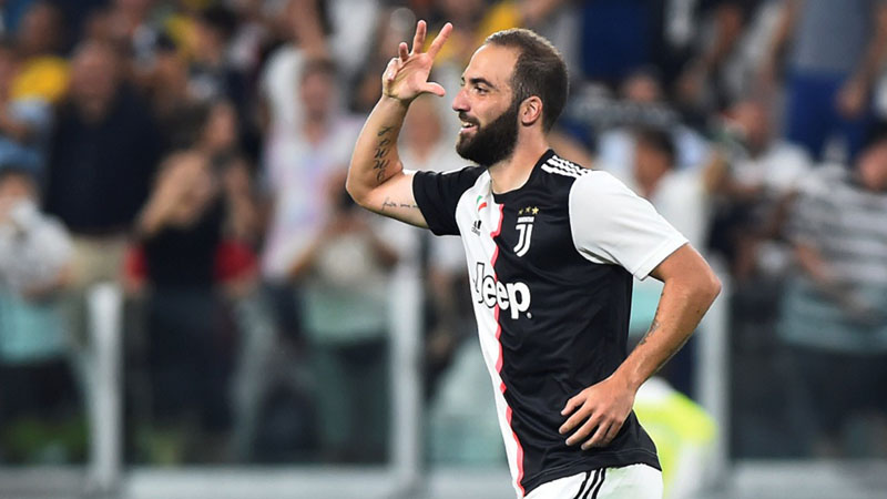 Pemain depan Juventus Gonzalo Higuain - Reuters/Massimo Pinca