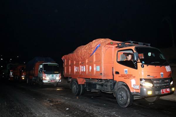 Sejumlah truk sampah DKI Jakarta - Antara