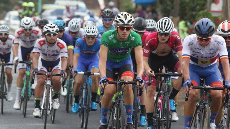 Tour de Banyuwangi Ijen 2019 etape II pada Kamis (26/9/2019). - Antara/Budi Candra Setya