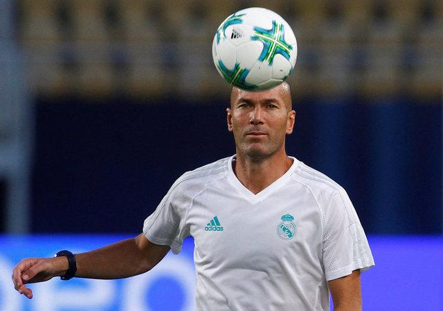 Pelatih Real Madrid Zinedine Zidane - Reuters/Ognen Teofilovski