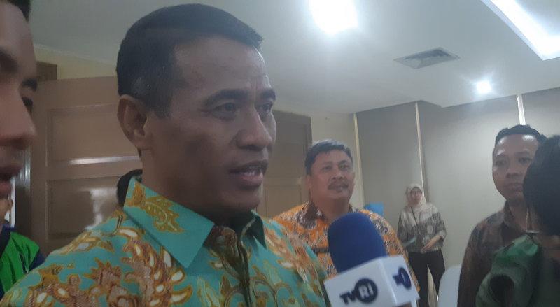 Menteri Pertanian Amran Sulaiman memberikan keterangan pada wartawan usai sosialisasi RUU tentang Karantina Hewan, Ikan, dan Tumbuhan serta RUU SBPB, Jumat (27/9/2019). - Bisnis/Juli E.R. Manalu