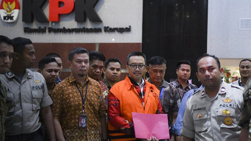 Mantan Menteri Pemuda dan Olahraga Imam Nahrawi mengenakan rompi orange di Gedung KPK Jakarta, Jumat, (27/9/2019). - ANTARA /Nova Wahyudi