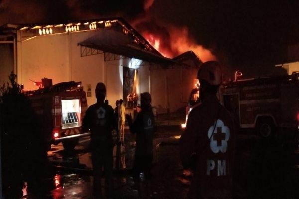 Api melahap gudang kapas PT  PT Sri Rejeki Isman (Sritex) Tbk. Kelurahan Jetis, Kecamatan/Kabupaten Sukoharjo, Jumat (27/9/2019) sekitar pukul 21.30 WIB. - JIBI