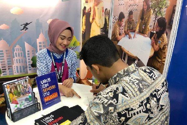 Booth Konsultasi Izin Usaha DPMPTSP Provinsi DKI Jakarta dalam The Hotel Week Indonesia 2019 - doc. Humas