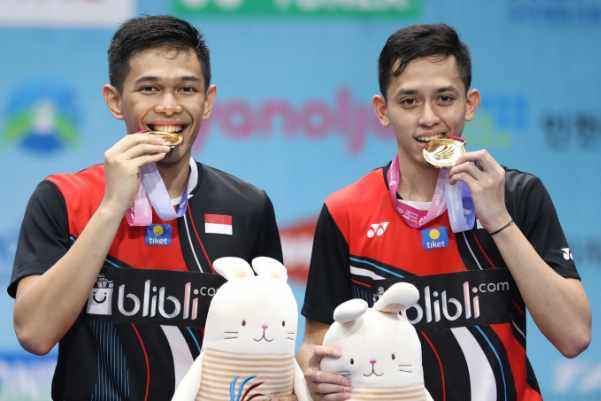 Ganda putra Fajar Alfian-Rian Ardianto usai jadi juara Korea Open 2019 - Badminton Indonesia