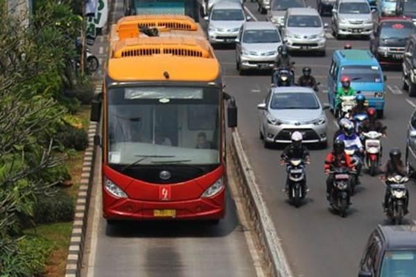 Bus Transjakarta - Antara