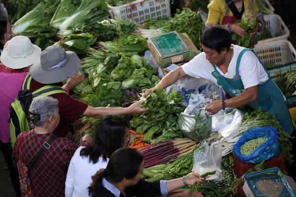 Ilustrasi pasar tradisional. - Reuters/Wong Campion