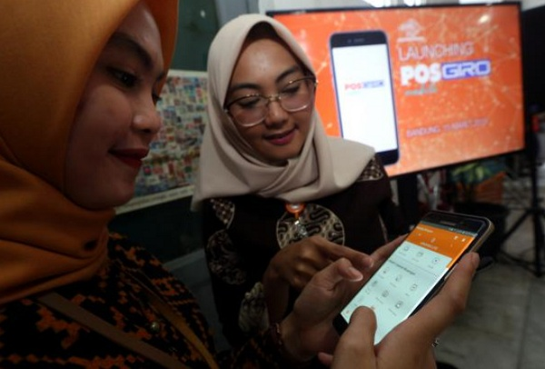 Layanan digital PosGiro Mobile - Bisnis/Rachman