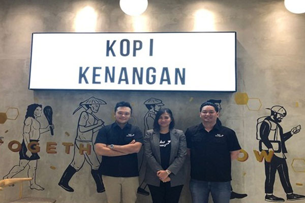 Ketiga co/founder Kopi Kenangan (kiri ke kanan) : CEO Edward Tirtanata, CMO Cynthia Chaerunnisa, COO James Prananto.