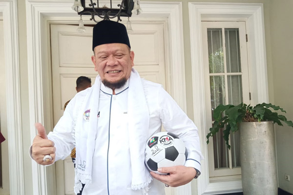 La Nyalla Mataliti saat menyambangi rumah calon wakil presiden Maruf Amin di Jakarta. - Bisnis/Muhammad Ridwan
