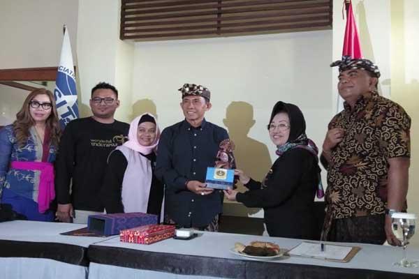 Pengurus Asita Kalsel saat melakukan studi banding ke Provinsi Bali - Arief Rahman