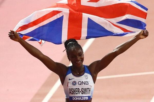 Dina Asher-Smith menjuarai nomor lari 200 meter putri di Kejuaraan Dunia Atletik di Qatar pada Kamis (3/10/2019) pagi WIB. - Reuters/Ahmed Jadallah