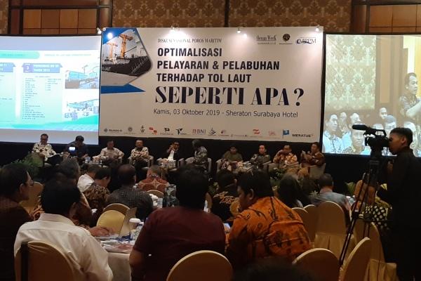Suasana diskusi nasional poros maritim bertema optimalisasi pelayaran dan pelabuhan terhadap program tol laut di Surabaya, Kamis (3/10/2019). - Bisnis/Peni Widarti