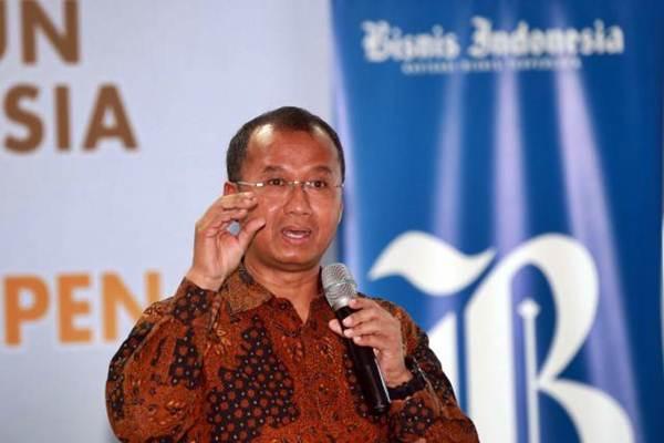 Deputi Komisioner Pengawas Pasar Modal Otoritas Jasa Keuangan Sardjito memberikan sambutan saat acara peluncuran Buku Pasar Modal di Ujung Pena di Jakarta, Selasa (15/8). - JIBI/Abdullah Azzam