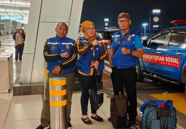 Tim pendahulu dari Dinas Sosial (Dinsos) Provinsi Jabar terbang ke Kota Sentani - Istimewa