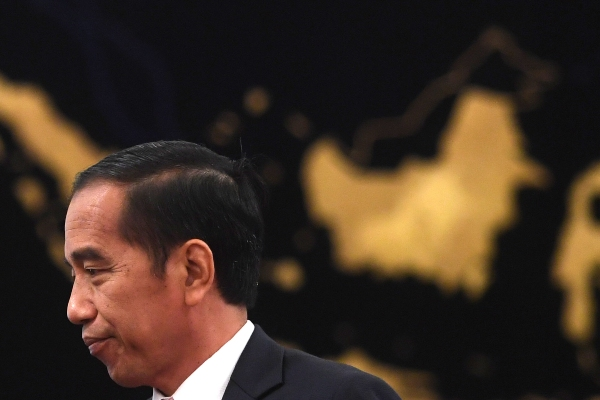 Presiden Joko Widodo seusai memberikan keterangan pers terkait rencana pemindahan Ibu Kota Negara di Istana Negara, Jakarta, Senin (26/8/2019). - ANTARA FOTO/Akbar Nugroho Gumay