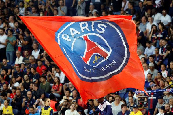 Suporter Paris Saint-Germain. - Reuters/Regis Duvignau