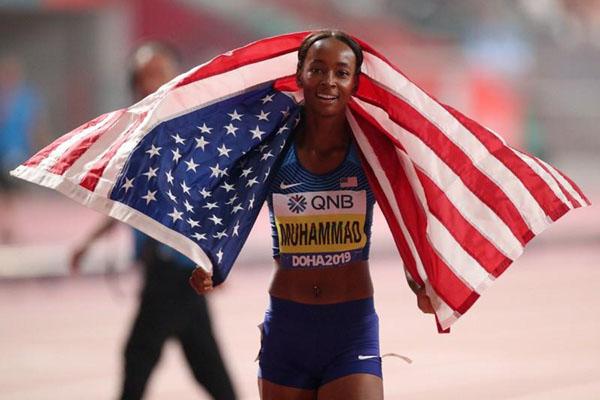 Dalilah Muhammad juara dunia lari gawang 400 meter putri. - Reuters/Kai Pfaffenbach