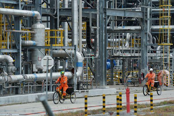 Kilang minyak di Lapangan Banyu Urip Blok Cepu, Bojonegoro, Jawa Timur, Kamis (8/12/2016). - Bloomberg/Dimas Ardian