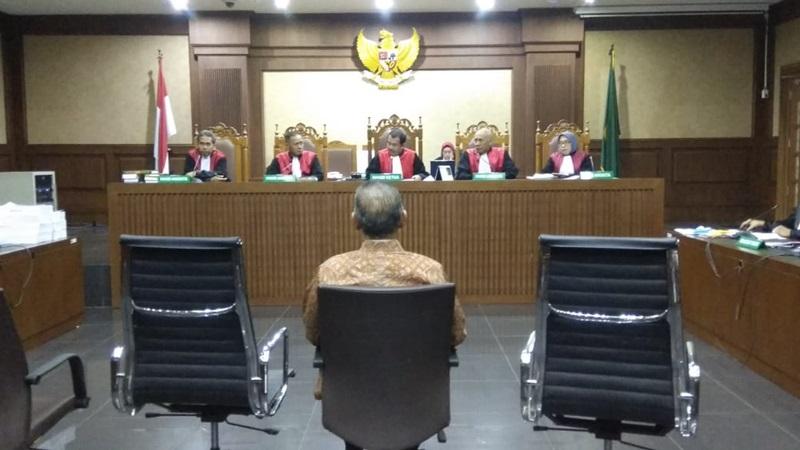 Terdakwa kasus PLTU Riau-1 Sofyan Basir saat menjalani sidang tuntutan di PN Tipikor - Bisnis