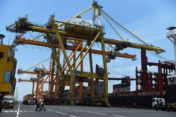 Aktivitas ekspor - ANTARA/Zabur Karuru