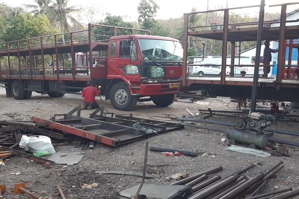 Proses pemotongan fisik truk yang melanggar over dimensi dilakukan BPTD Wilayah DIY dan Jawa Tengah. - Ist/BPTD DIY.