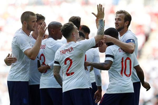 Timnas Inggris akan menjalani dua laga tandang ke Cheska dan Bulgaria. - Reuters/Darren Staples
