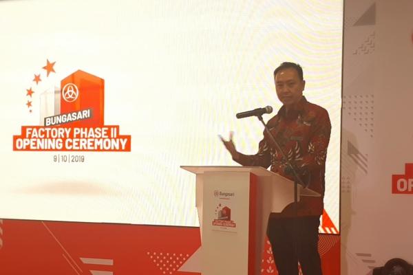 Presiden Director PT Bungasari Flour Mills Indonesia Budianto Wijaya memberikan sambutan di sela-sela seremoni peresmian produksi pertama pabrik tahap kedua di Cilegon, Rabu (9/8/2019). - Bisnis/Oktaviano D.B. hana