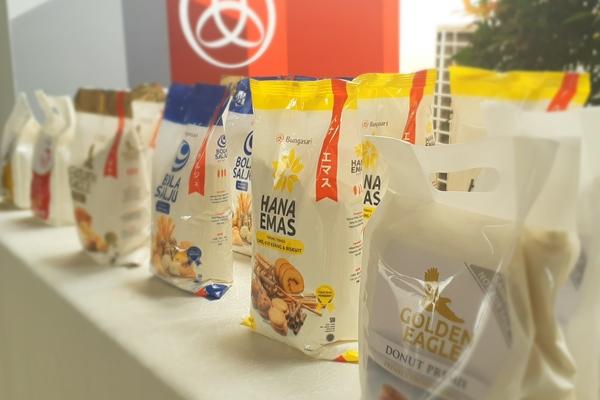 Lini produk premix anyar yang diluncurkan PT Bungasari Flour Mills Indonesia di sela-sela seremoni peresmian produksi pertama pabrik tahap kedua di Cilegon, Rabu (9/8/2019). - Bisnis/Oktaviano D.B. Hana