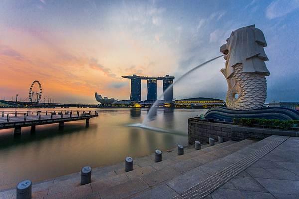 Patung Merlion di Marina Bay, Singapura. - Wikimedia Commons