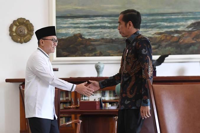 Presiden Joko Widodo (kanan) Bertemu Ketua Umum Partai Amanat Nasional (PAN) Zulkifli Hasan di Istana Bogor, Jawa Barat, Rabu (22/5/2019). - ANTARA/Akbar Nugroho Gumay