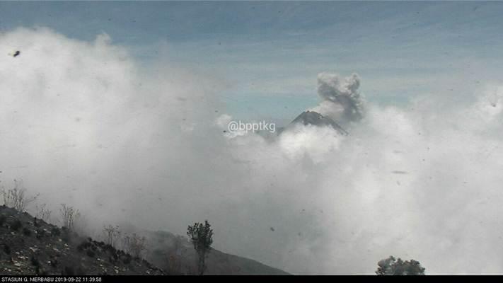 Letusan Gunung Merapi terpantau dari Stasiun Gunung Merbabu 22 September 2019 pukul 11.39/bpptkg