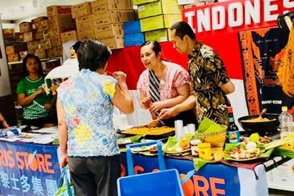 Suasana Paris Store dengan sajian produk Indonesia pada penyelenggaraan terdahulu. - Antara-VITO Prancis