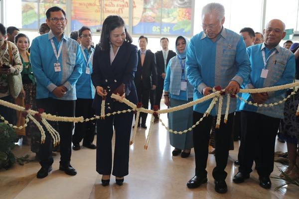 Menteri Perdagangan Enggartiasto Lukita meresmikan Pameran Pangan Nusa di Pembukaan Trade Expo Indonesia 2019, Rabu (16/10/2019) - dok.Kemendag
