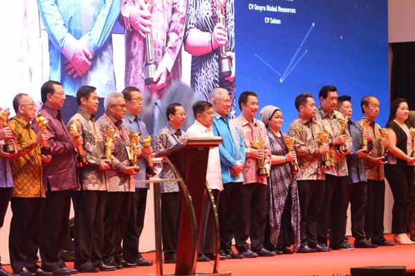 Penganugerahan penghargaan  Primaniyarta 2019 di sela-sela Trade Expo Indonesia (TEI) 2019 Indonesia Convention Exhibition, Bumi Serpong Damai (ICE BSD), Tangerang, Banten, Rabu (16/10/2019). - dok. APP Sinar Mas