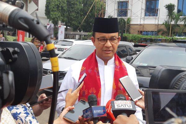 Gubernur DKI Jakarta memberikan keterangan terkait dengan rencana pengembangan Ibu Kota Jakarta di Kantor Wakil Presiden, Jakarta. - Bisnis/Anggara Pernando