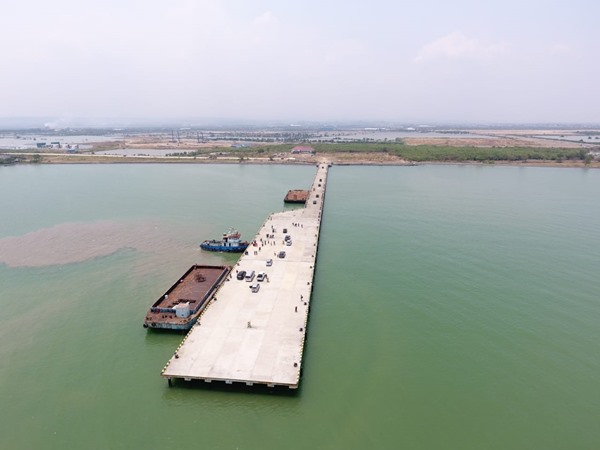 Dermaga Multipurpose Pelabuhan Kendal. BISNIS