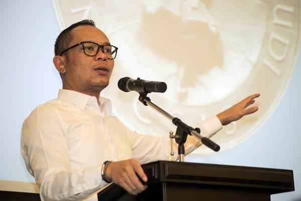 Menteri Ketenagakerjaan Hanif Dhakiri menjadi keynote speaker dalam diskusi publik Forum Kebijakan Ketenagakerjaan (FKK) bertajuk The Future of Jobs and Jobs of The Future di Jakarta, Rabu (11/4/2018). - JIBI/Felix Jody Kinarwan