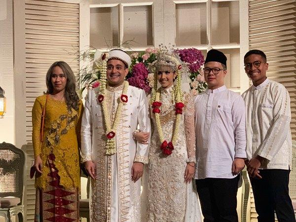 Foto pernikahan Tsamara Amany Alatas dan Ismail Fajrie Alatas dalam unggahan Twitter Evan Nathan. - @EvnNathan