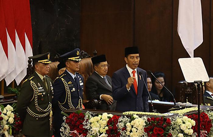 Presiden Joko Widodo berpidato seusai dilantik menjadi Presiden RI periode 2019-2024 di Gedung Nusantara, kompleks Parlemen, Senayan, Jakarta, Minggu (20/10/2019). Bisnis - Nurul Hidayat