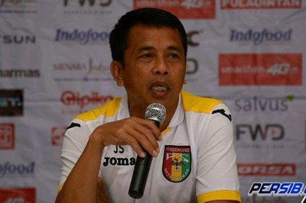 Pelatih PSMS Medan Jafri Sastra - Persib.co.id
