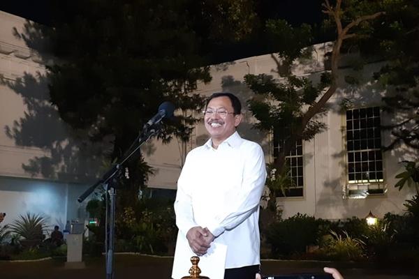 Terawan Agus Putranto memberikan keterangan pers seusai dipanggil Presiden Jokowi di Istana Kepresidenan Jakarta, Selasa (22/10/2019) - Bisnis/Amanda K