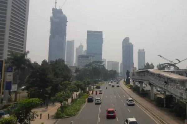 Ilustrasi kualitas udara yang buruk di Jakarta  - Antara