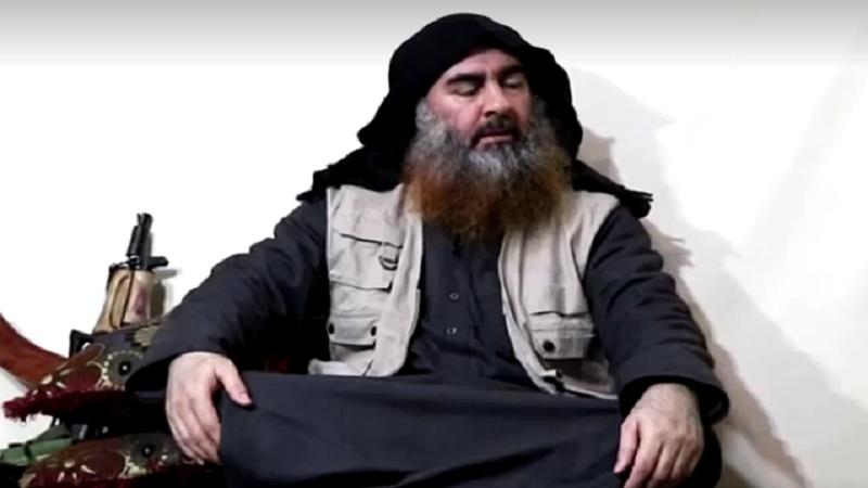 Pemimpin Negara Islam Abu Bakar al-Baghdadi berbicara dalam cuplikan yang diambil dari video yang dirilis pada 29 April 2019. - Reuters
