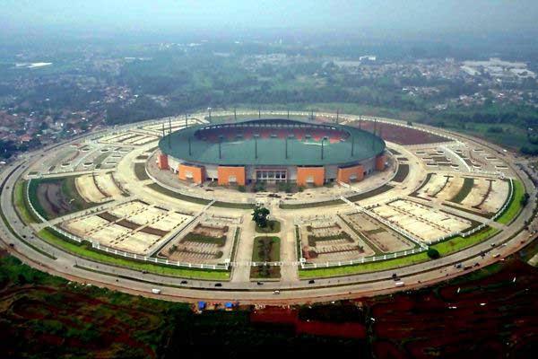 Foto aerial kompleks Stadion Pakansari, Cibinong, Kabupaten Bogor, Jabar, Minggu (11/6). - Antara/Yulius Satria Wijaya