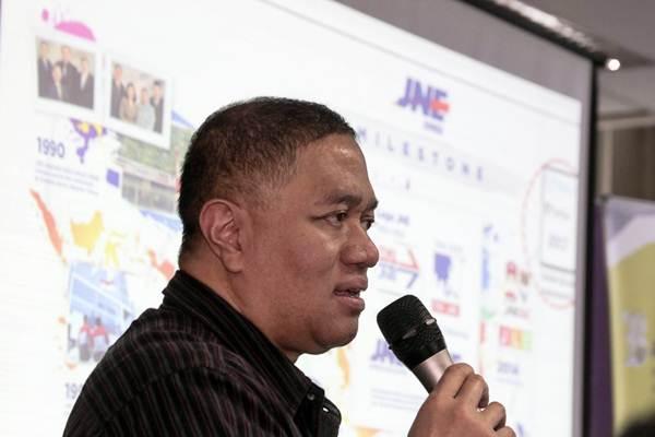 Presiden Direktur PT TIKI Jalur Nugraha Ekakurir (JNE) Mohamad Feriadi menyampaikan pengalamannya pada acara Leaders Day Bisnis Indonesia, di Wisma Bisnis Indonesia, Jakarta, Selasa (13/3/2018). - JIBI/Felix Jody Kinarwan
