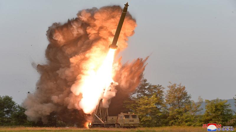 Penampakan pengujian peluncuran roket super besar di Korea Utara dalam foto tak bertanggal dirilis pada 10 September 2019 oleh Kantor Berita Pusat Korea (KCNA) Korea Utara. - Reuters