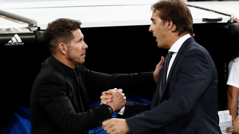 Pelatih Sevilla Julen Lopetegui (kanan) dan pelatih Atletico Madrid Diego Simeone. - El Espanol