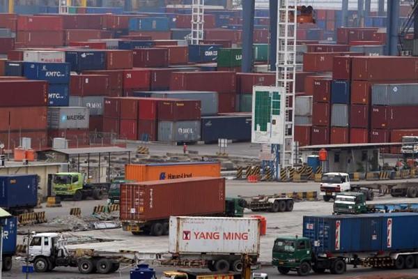 Aktivitas pelabuhan/BISNIS - Nurul Hidayat